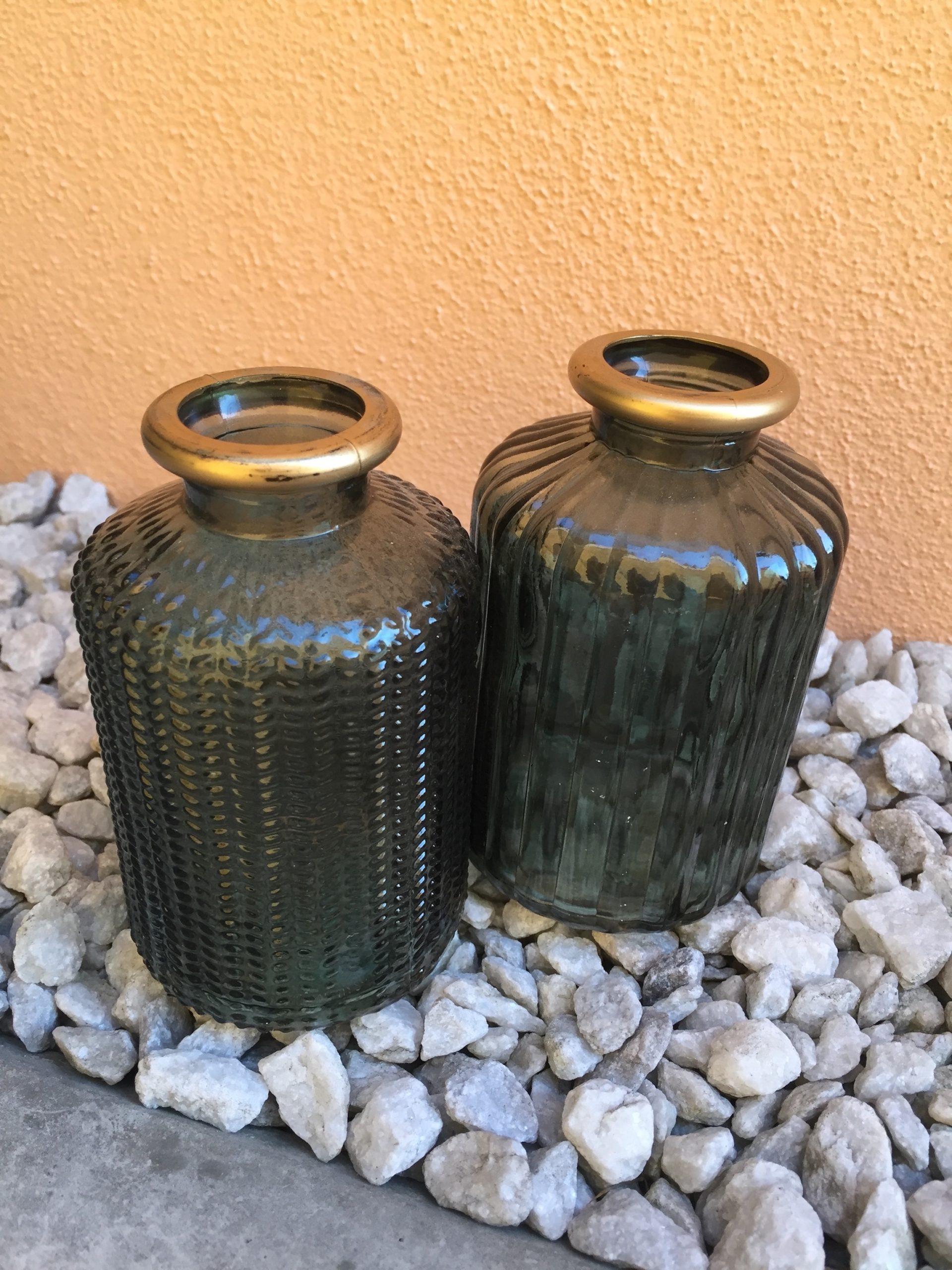 Váza skleněná tmavě zelená se zlatým okrajem